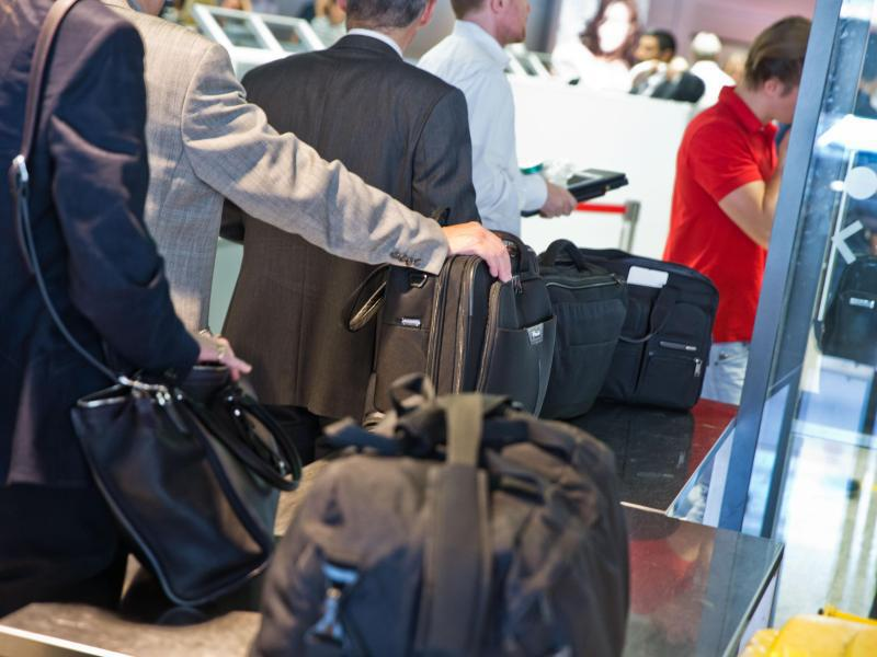 Bild zu Kontrollen am Flughafen