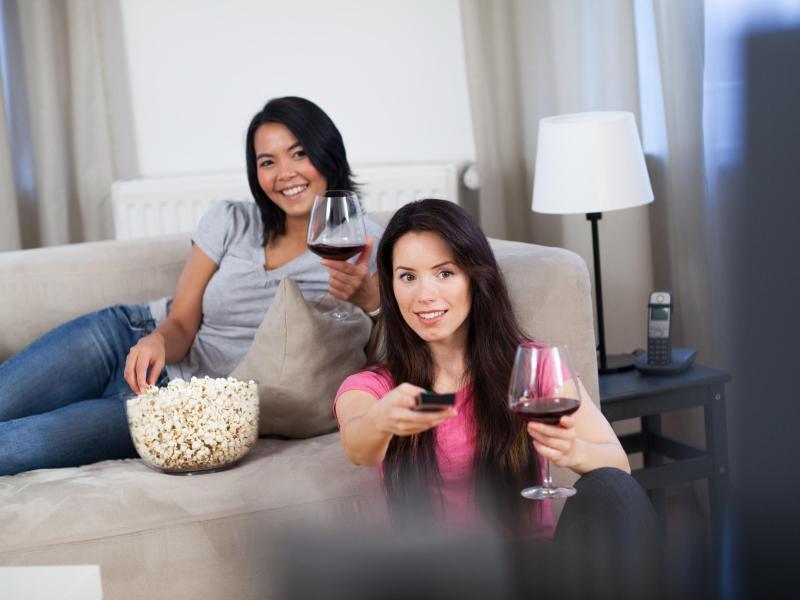 Bild zu Kinovergnügen im Wohnzimmer