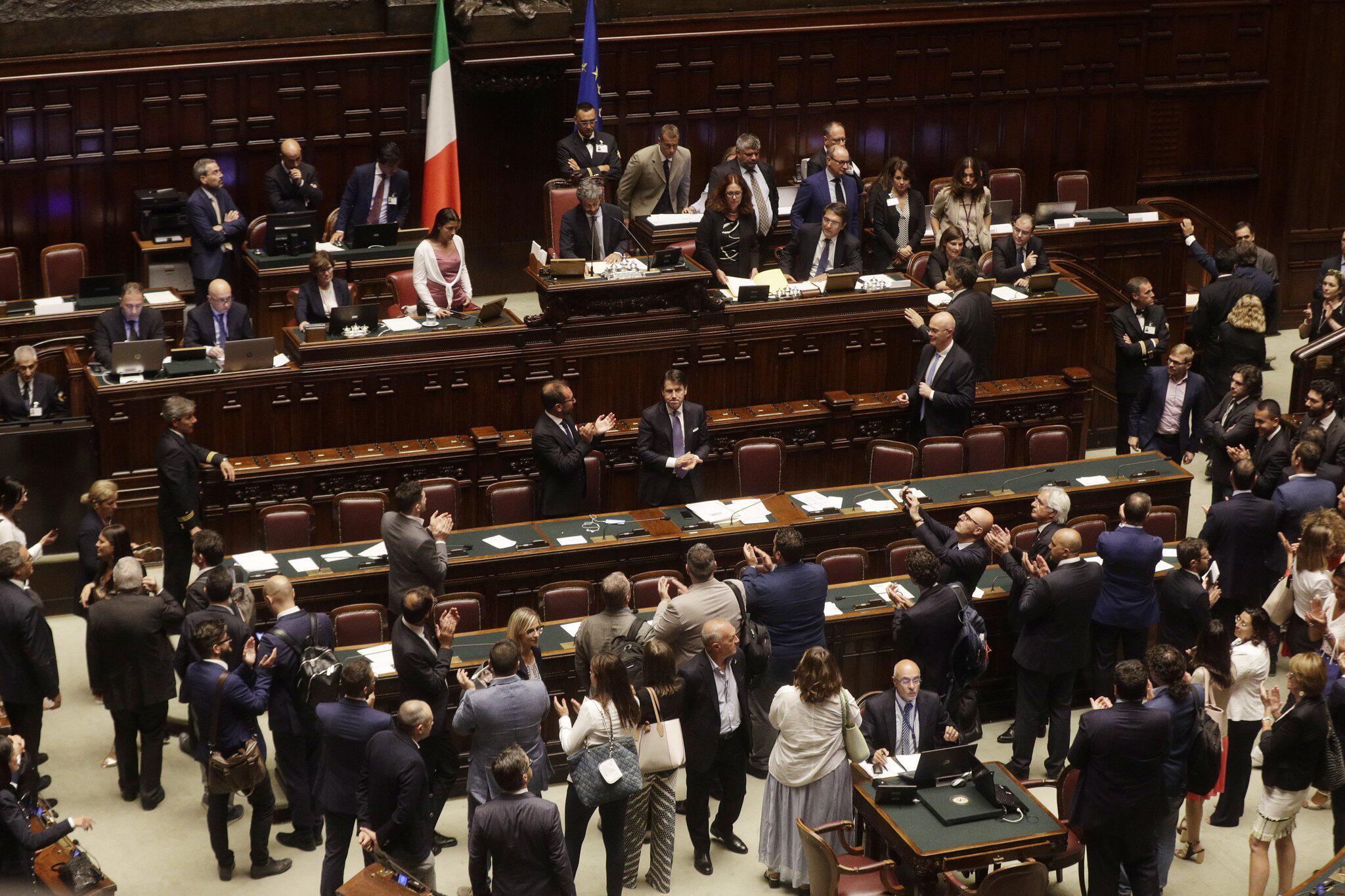 Bild zu Vertrauensvotum Italien