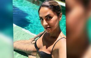 Sabrina Setlur grüßt aus dem Malle-Pool