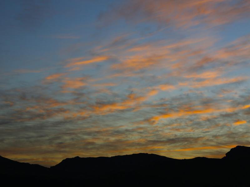 Bild zu Sonne geht über Kapstadt auf