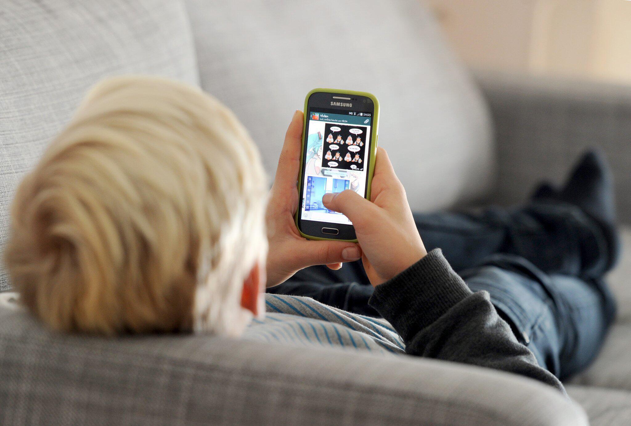Bild zu Kinder und Handy