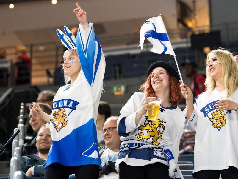 Bild zu Finnische Eishockey-Fans