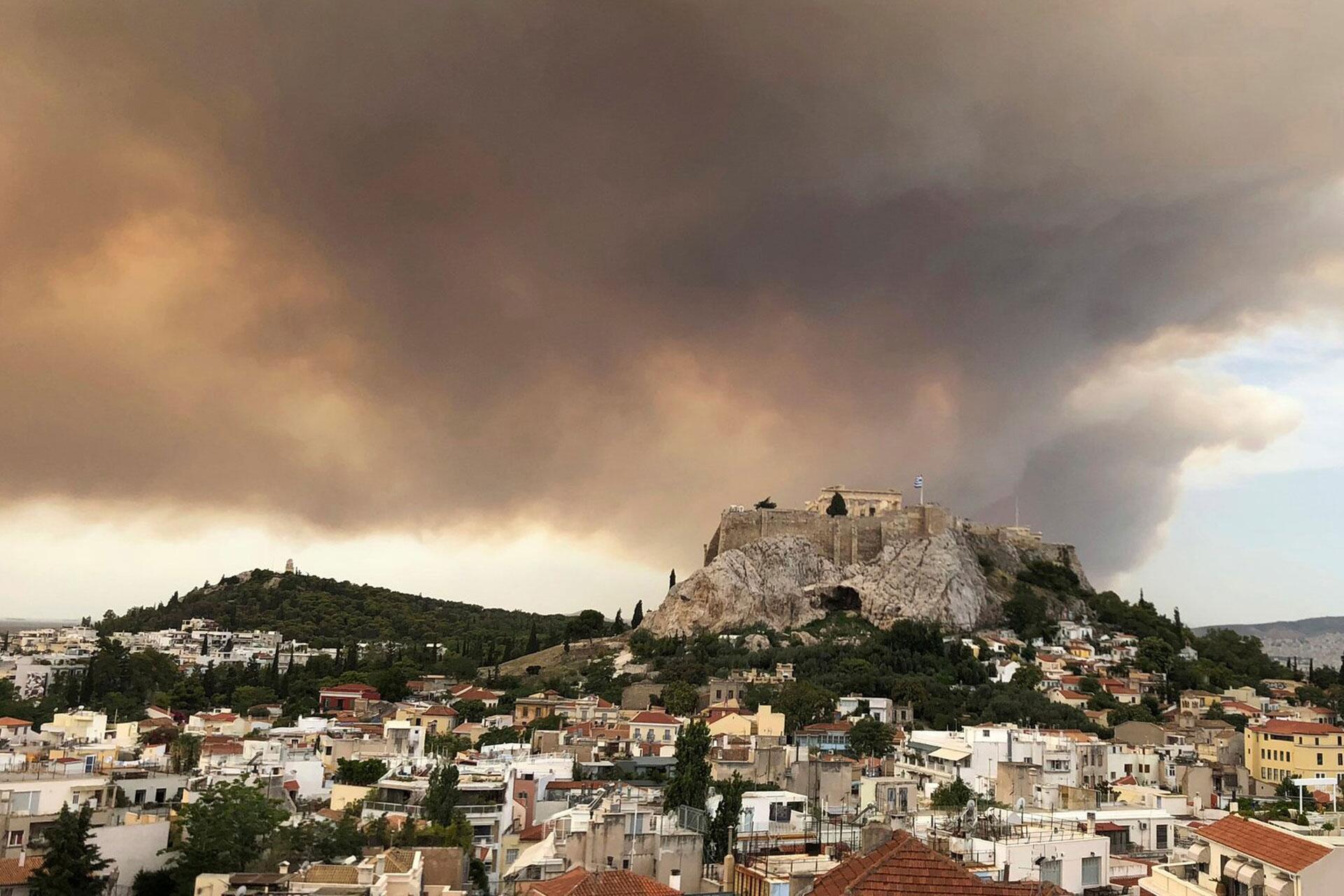 Bild zu Großbrand in Griechenland
