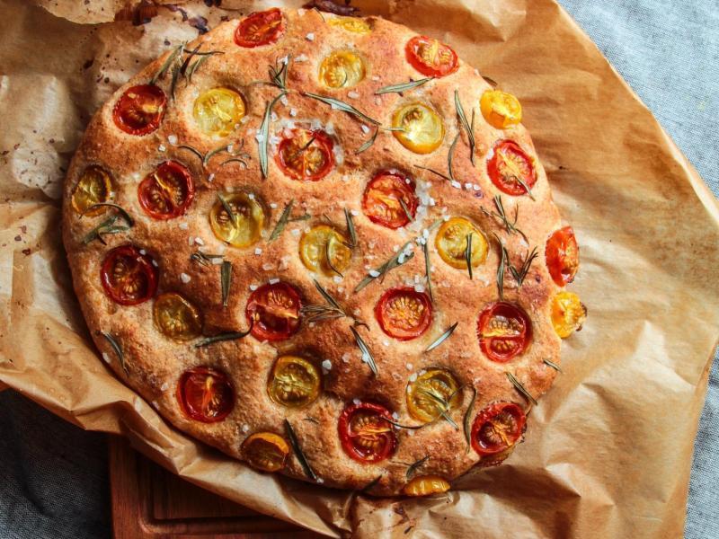Bild zu Rosmarin-Tomaten-Focaccia