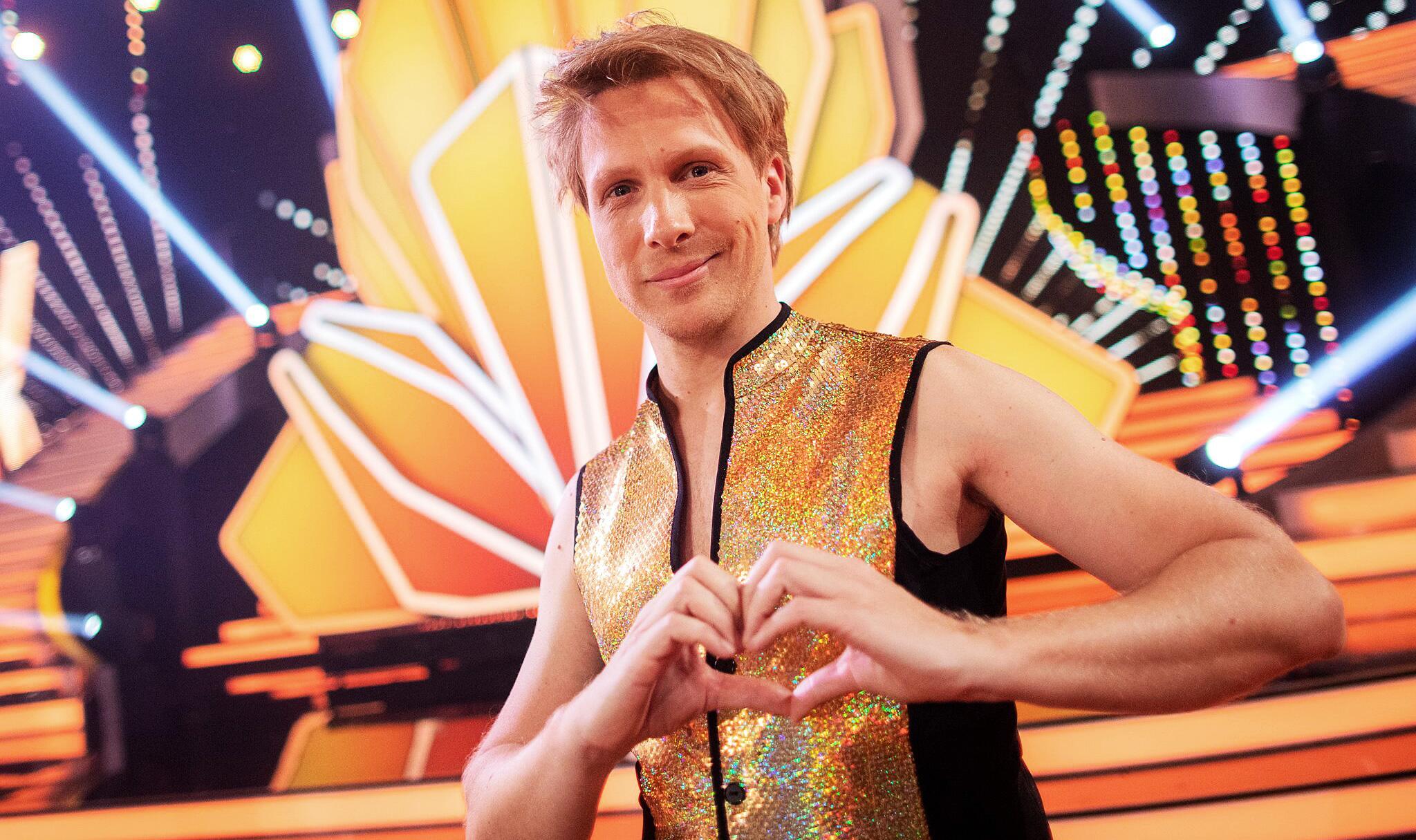 Bild zu Moderator Oliver Pocher bei Tanzshow Let's Dance