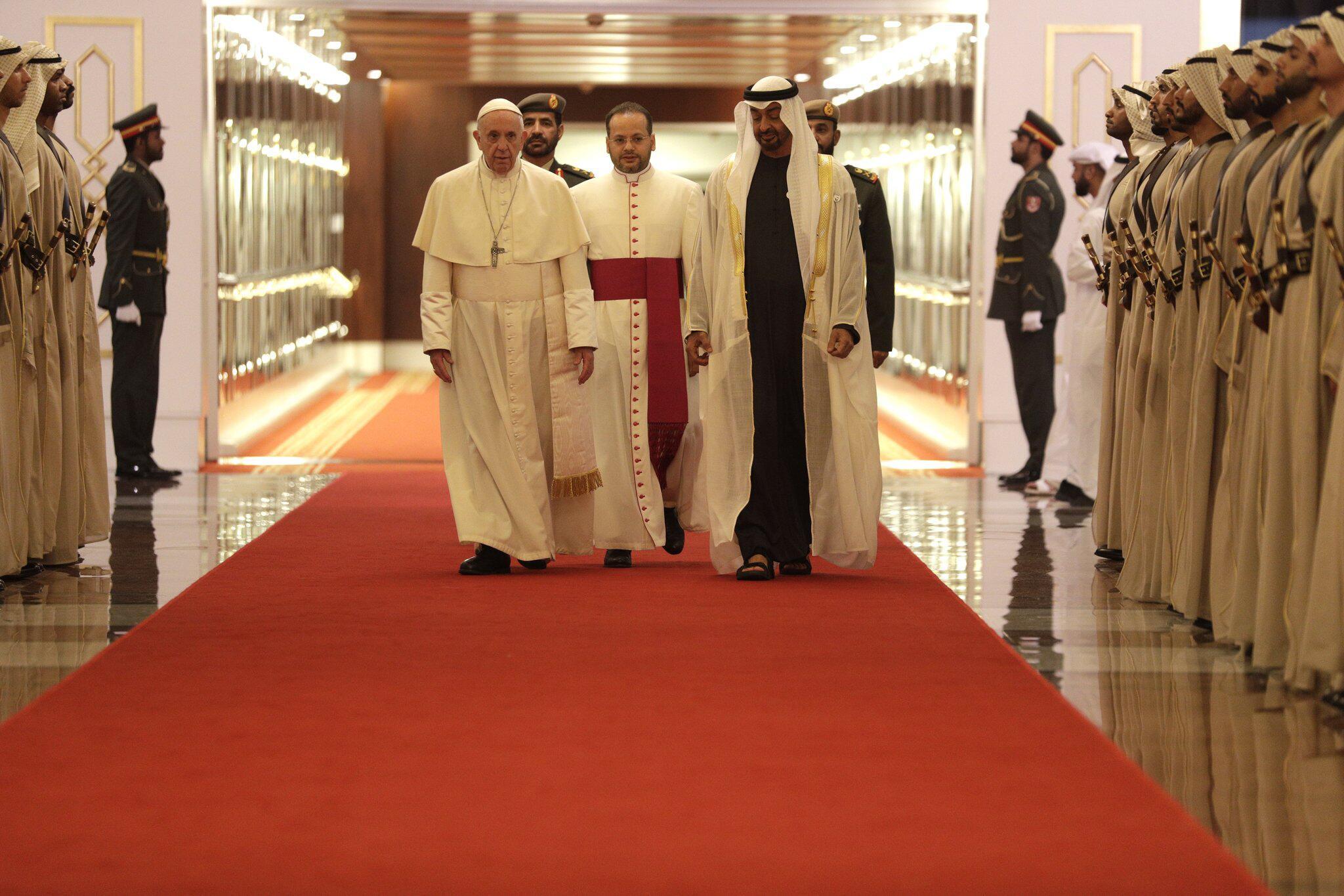 Bild zu Papst Franziskus besucht die Vereinigten Arabischen Emirate
