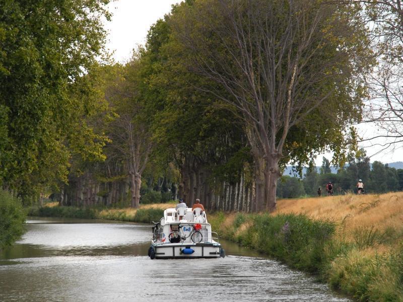 Bild zu Gemächliche Bootstour