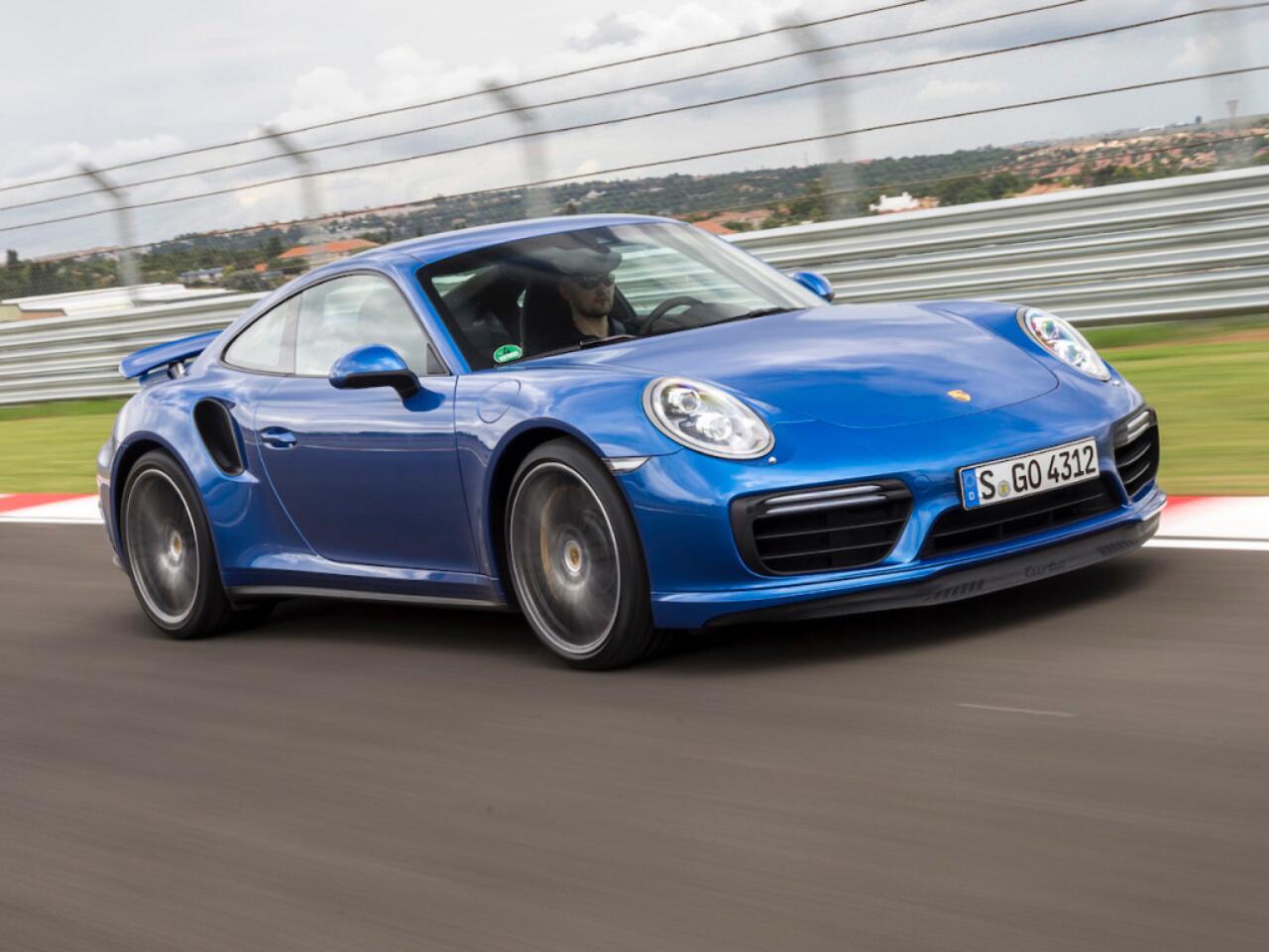 Bild zu Platz 2 - Hersteller: Porsche