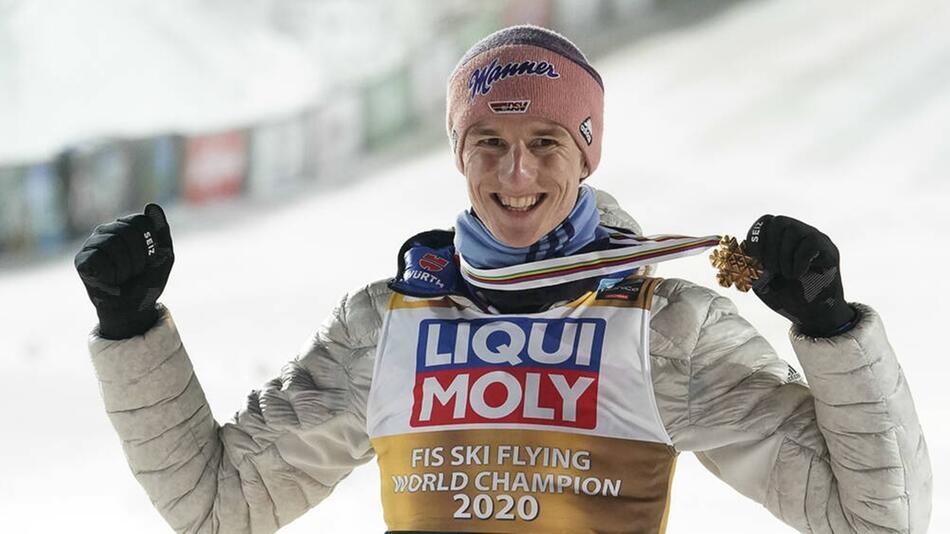 Karl Geiger, hier beim Sieg der Skiflug-WM 2020, wurde für die Vierschanzentournee nominiert.
