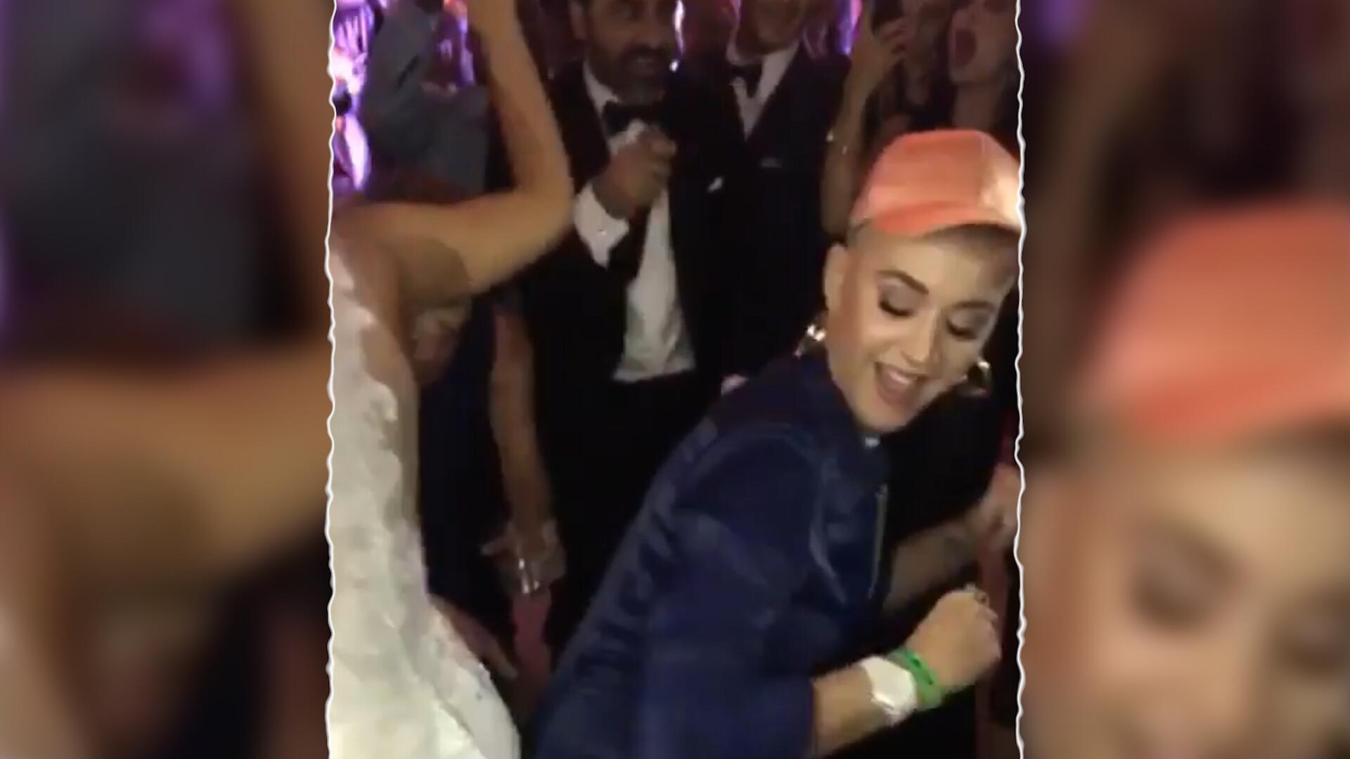 Bild zu Party mit dem Brautpaar – Katy Perry crasht Hochzeitsfeier