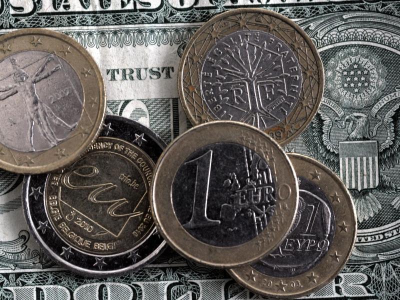 Bild zu Dollar und Euro