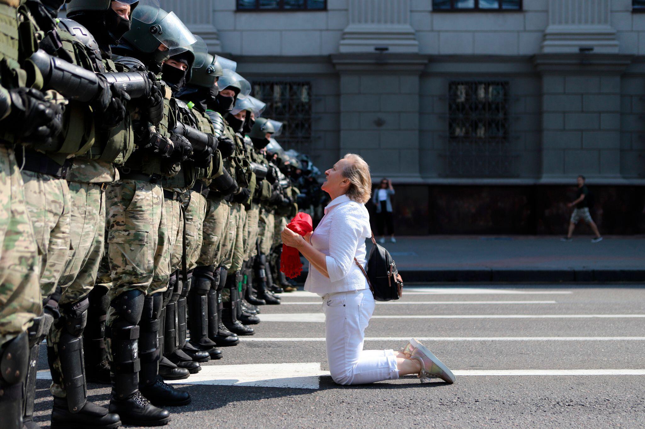 Bild zu Tausende protestieren gegen Lukaschenko in Minsk - Festnahmen
