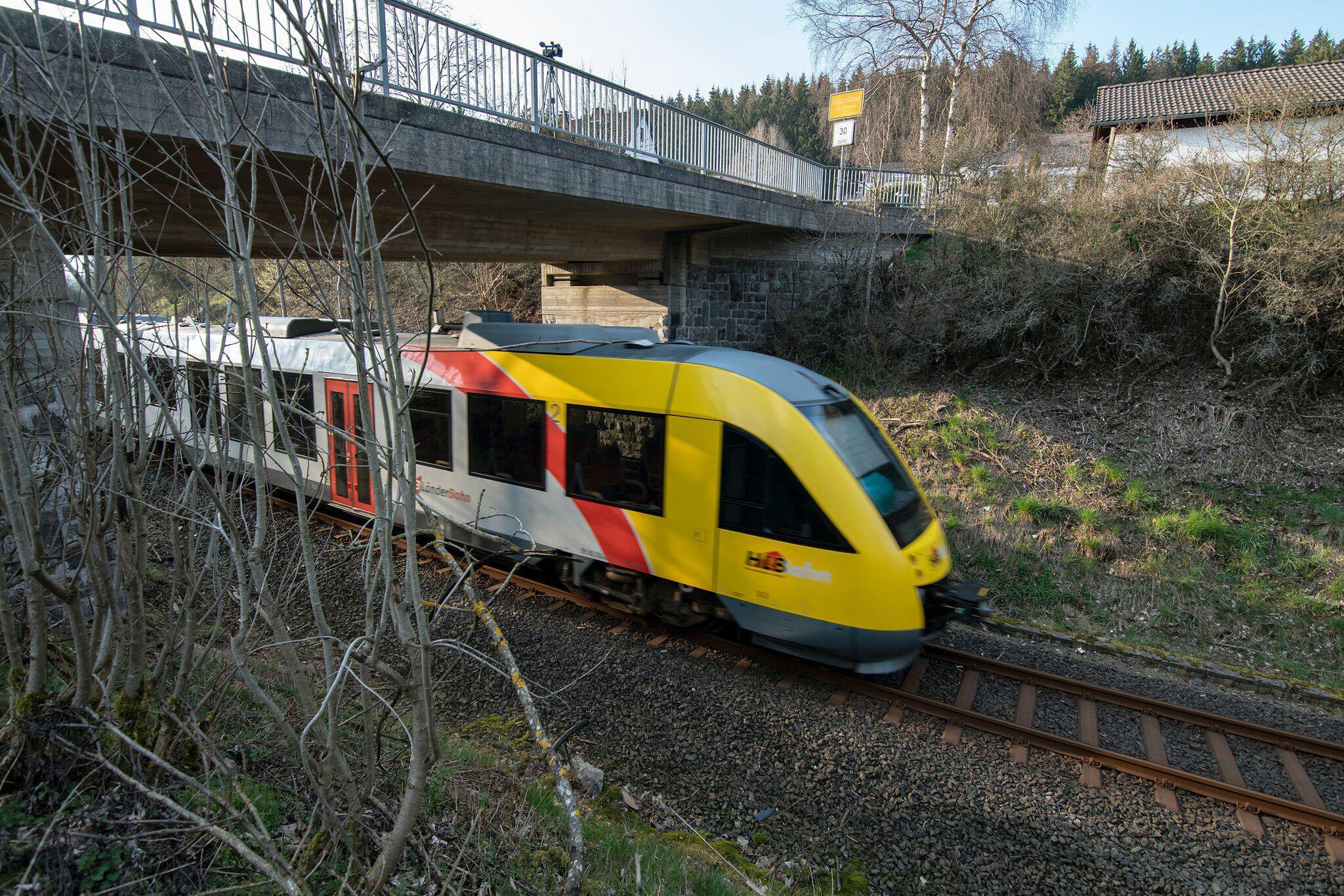 Bild zu Gullydeckel durchschlagen Zugscheibe
