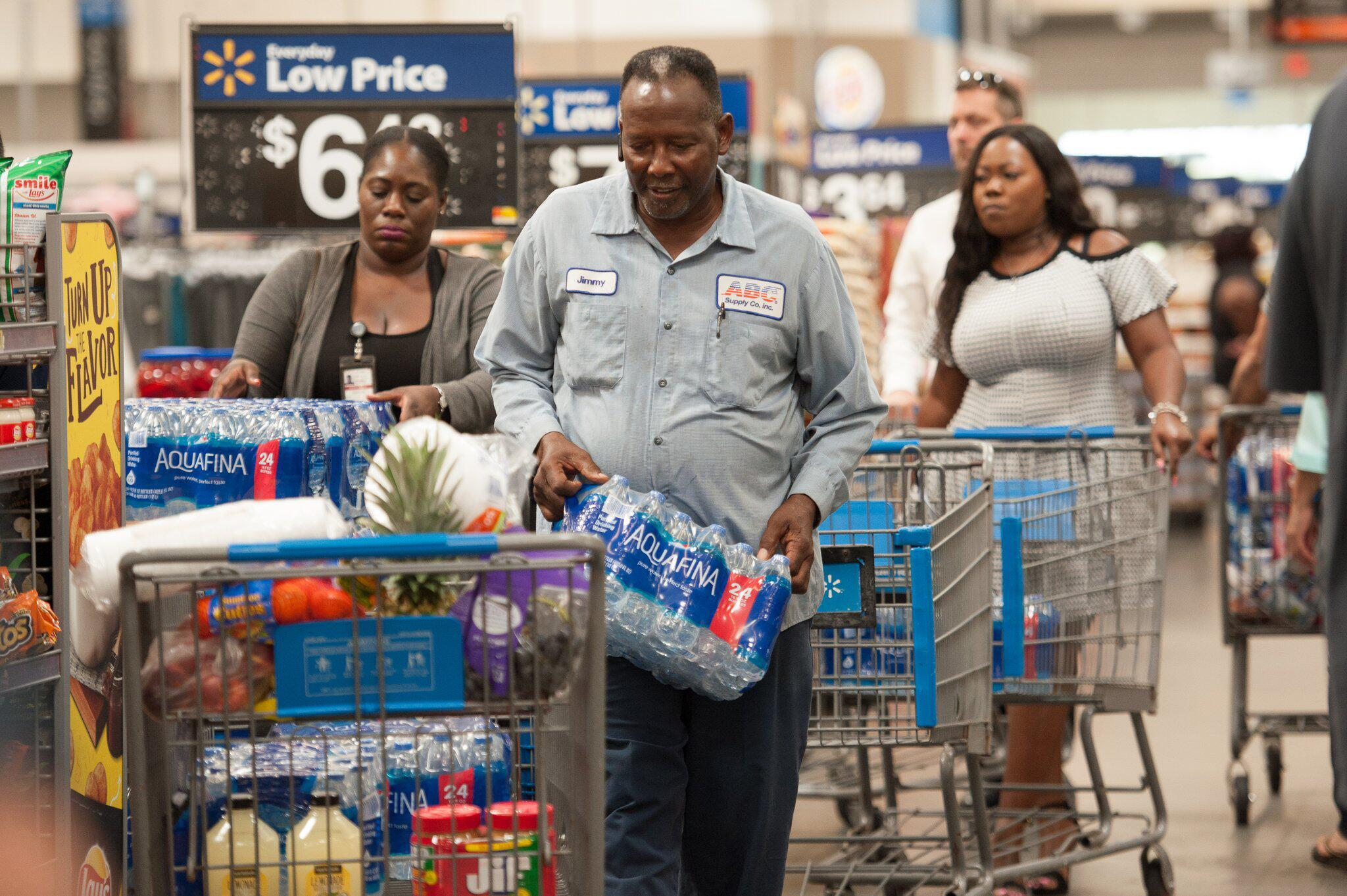 """Bild zu Florida bereitet sich auf Hurrikan """"Dorian"""" vor"""