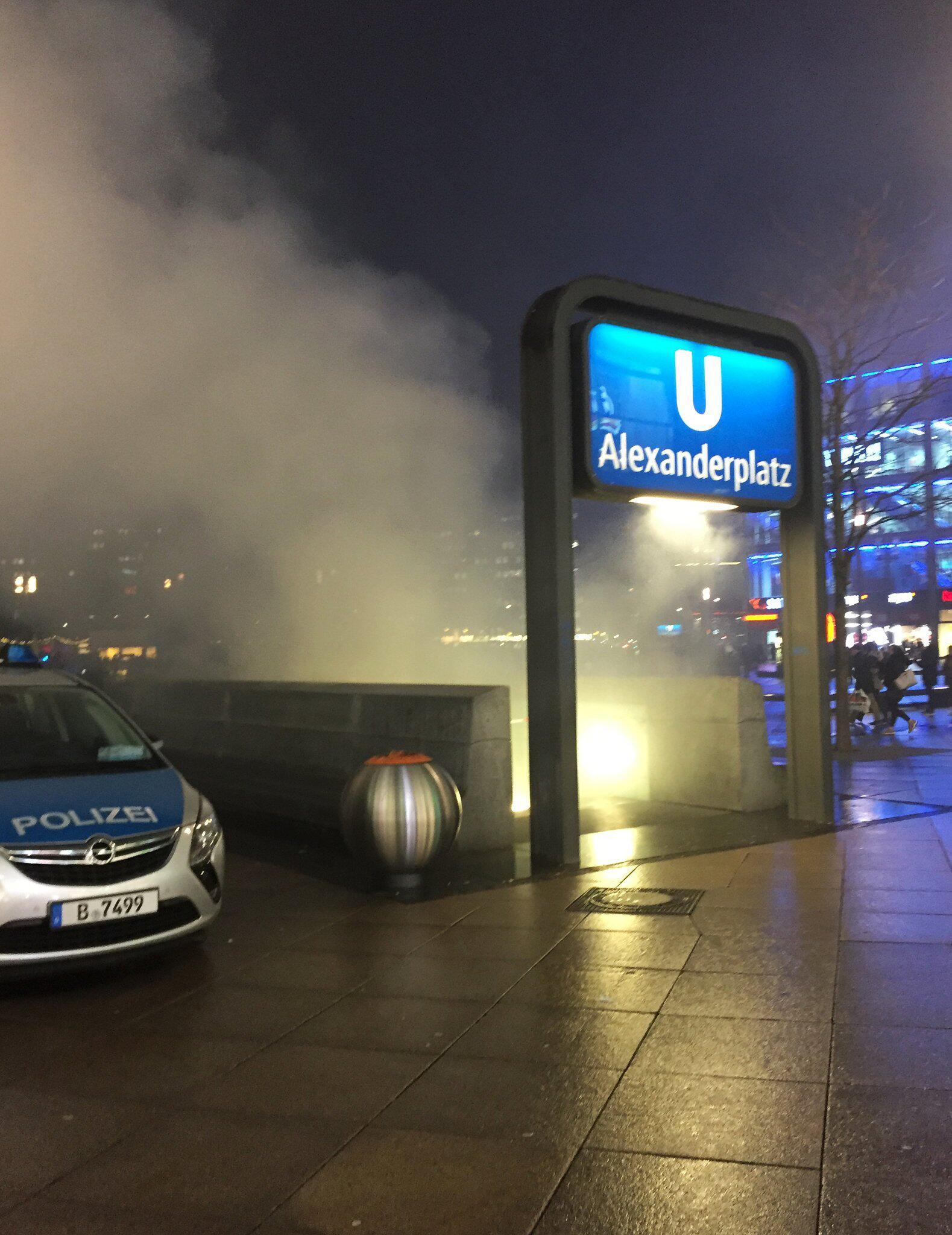 Bild zu Brand im U-Bahnhof Alexanderplatz