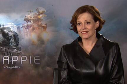 "Sigourney Weaver im Interview über den Film ""Chappie""."