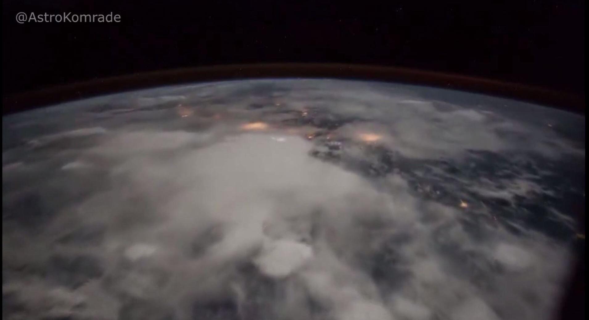 Bild zu Ein Zeitraffer-Video der Internationalen Raumstation zeigt Gewitter