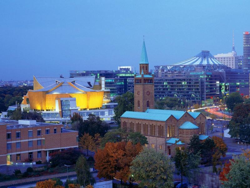 Bild zu Berlin bei Nacht