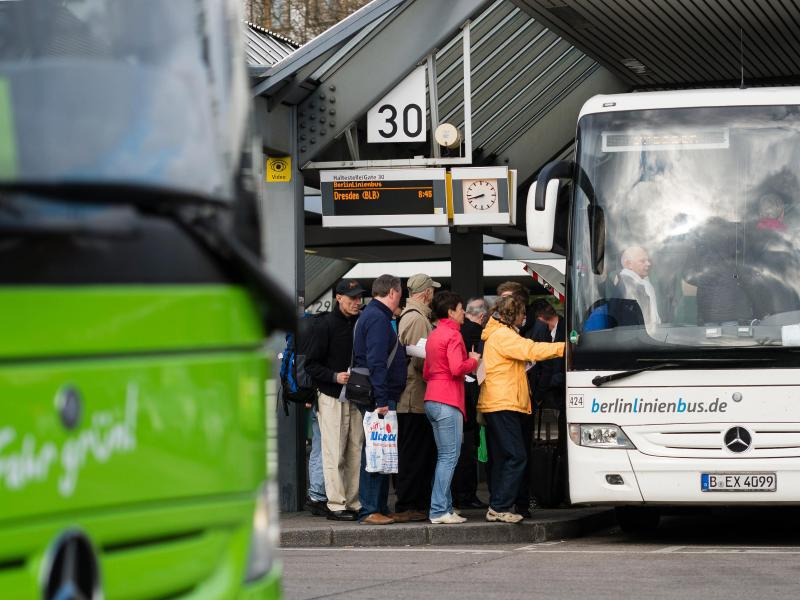 Bild zu Fernreisebusse