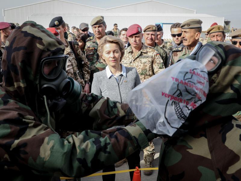 Bild zu Von der Leyen im Irak
