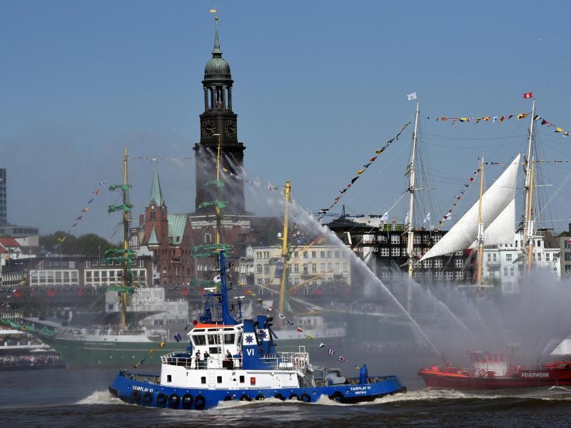 Bild zu Hamburger Hafengeburtstag