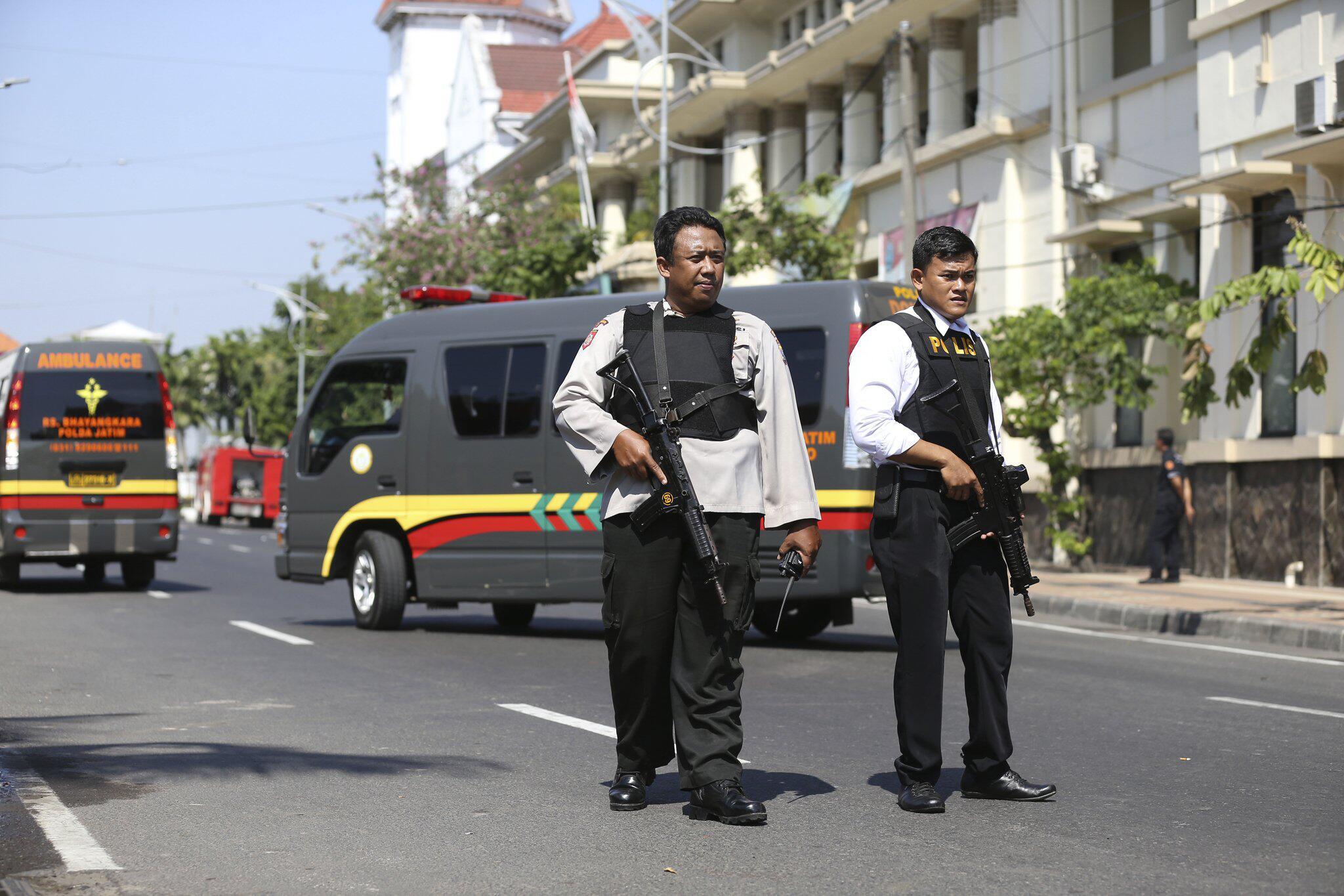 Bild zu Blutiger Anschlag auf Polizeihauptquartier in Indonesien
