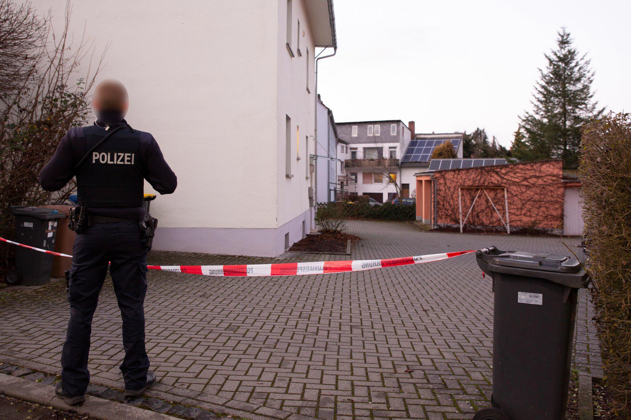 Bild zu Mann ersticht Ehefrau in Idstein