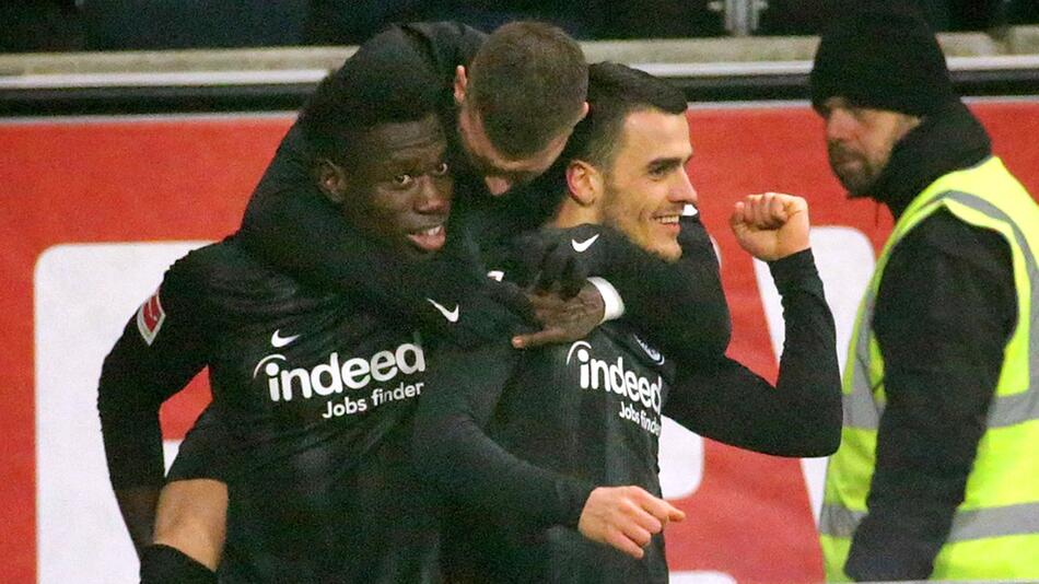Eintracht Frankfurt - Bayer 04 Leverkusen