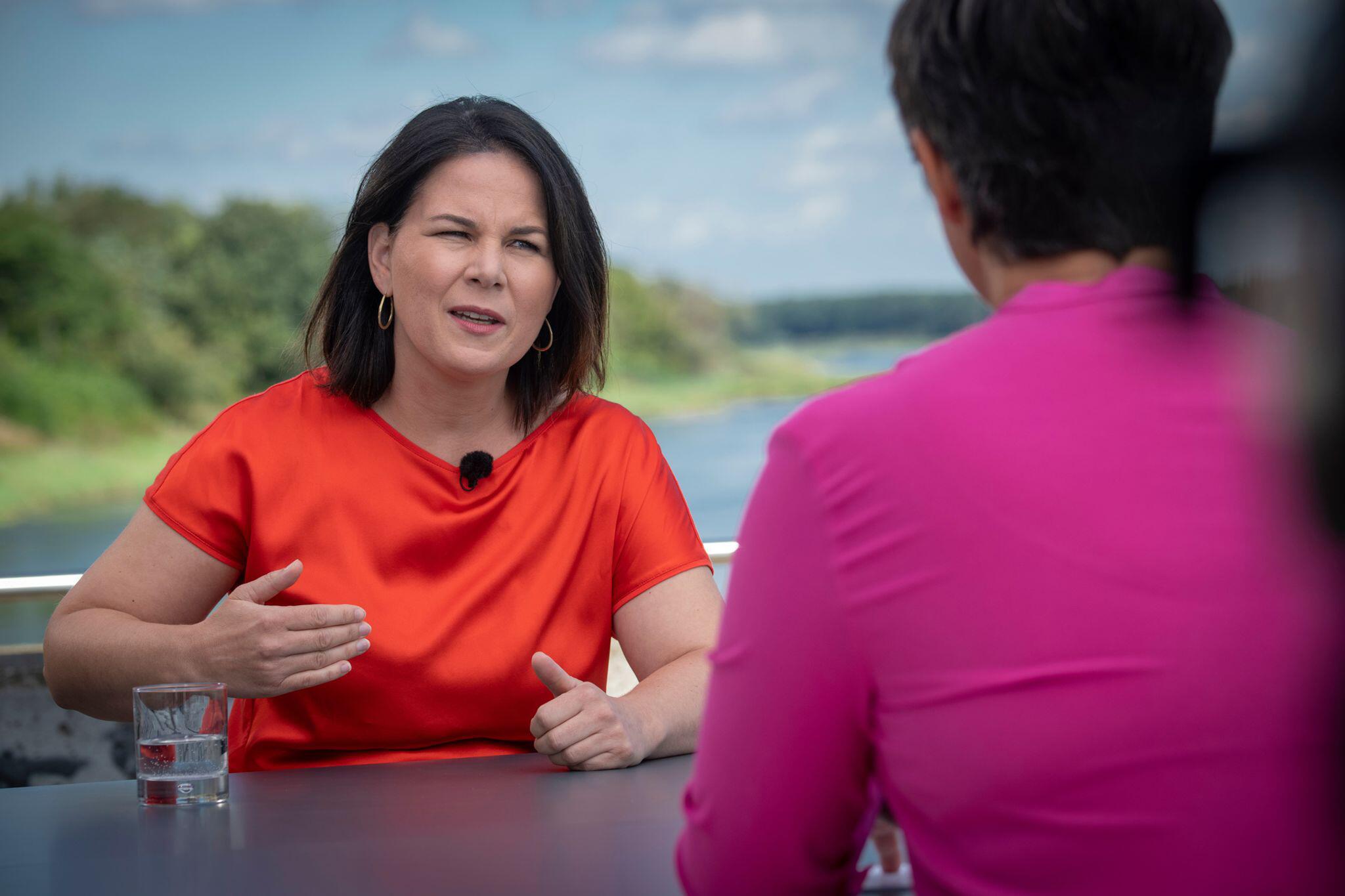 Bild zu Berlin direkt - ZDF-Sommerinterview mit Annalena Baerbock