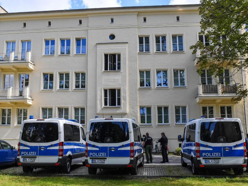 Bild zu Polizeiaktion in Eisenhüttenstadt
