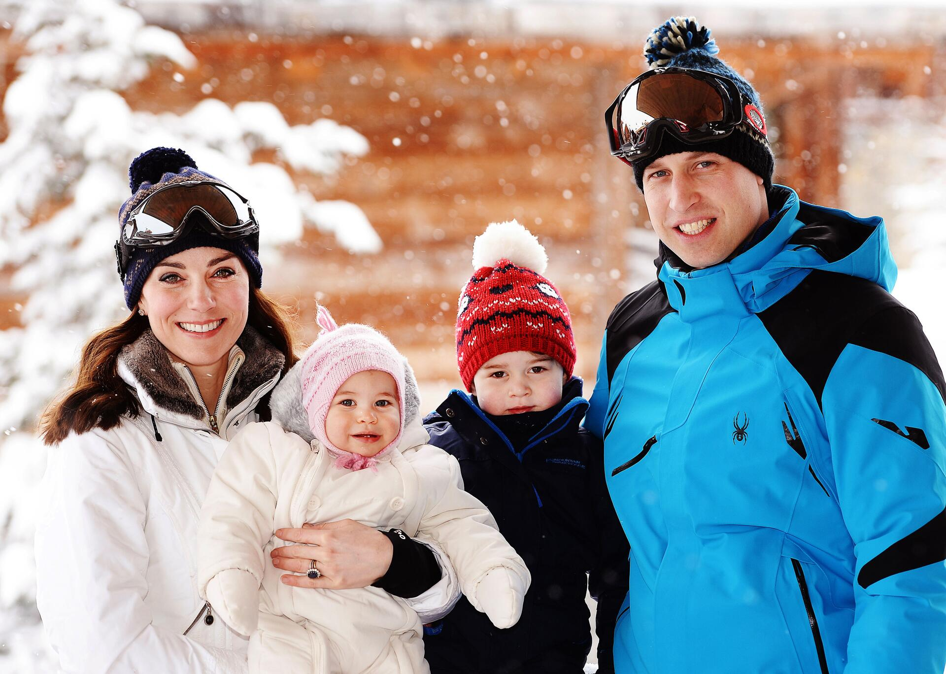 Bild zu Herzogin Kate, Prinzessin Charlotte, Prinz George, Prinz William