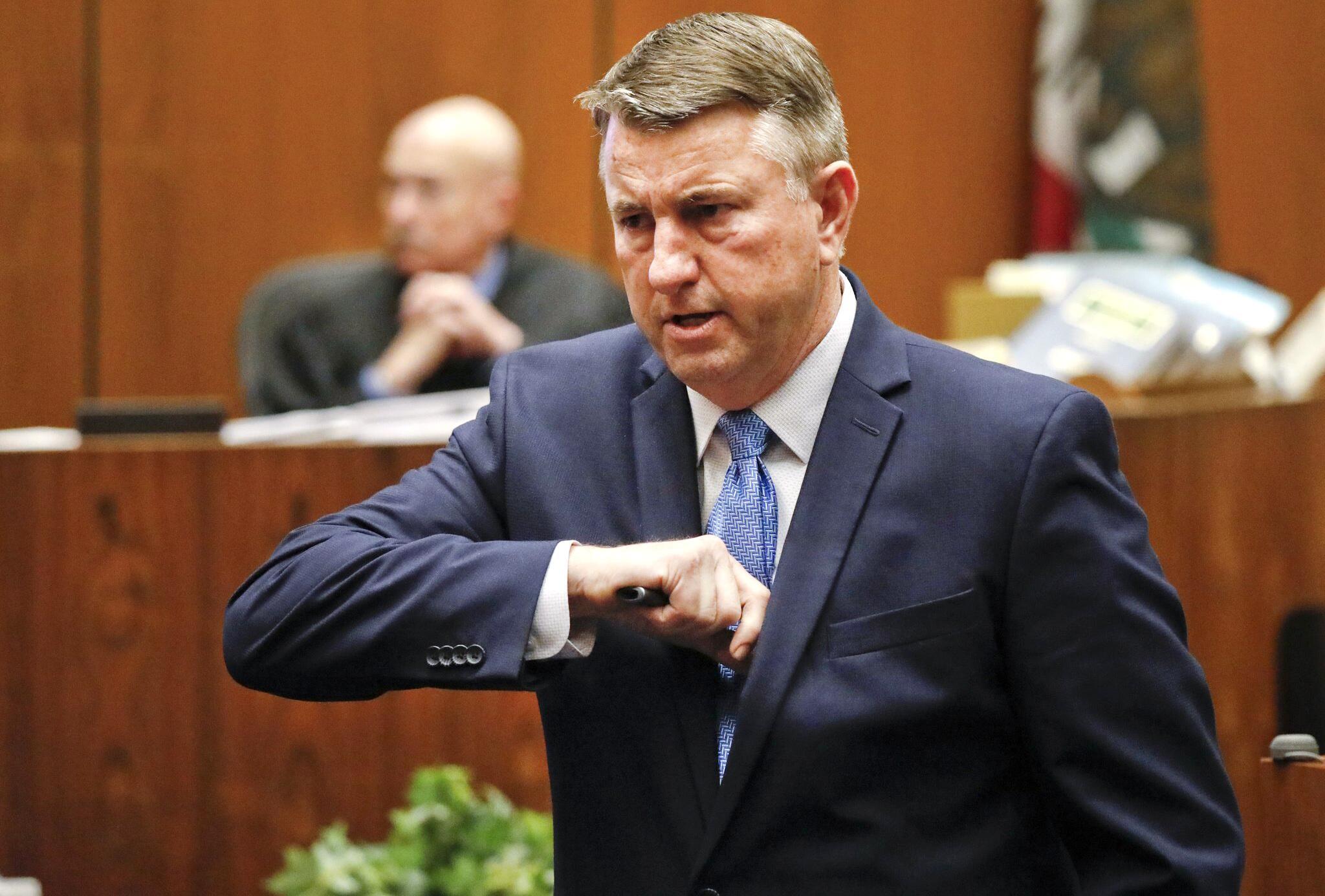 Bild zu Mordprozess gegen einen mutmaßlichen Serienmörder in LA