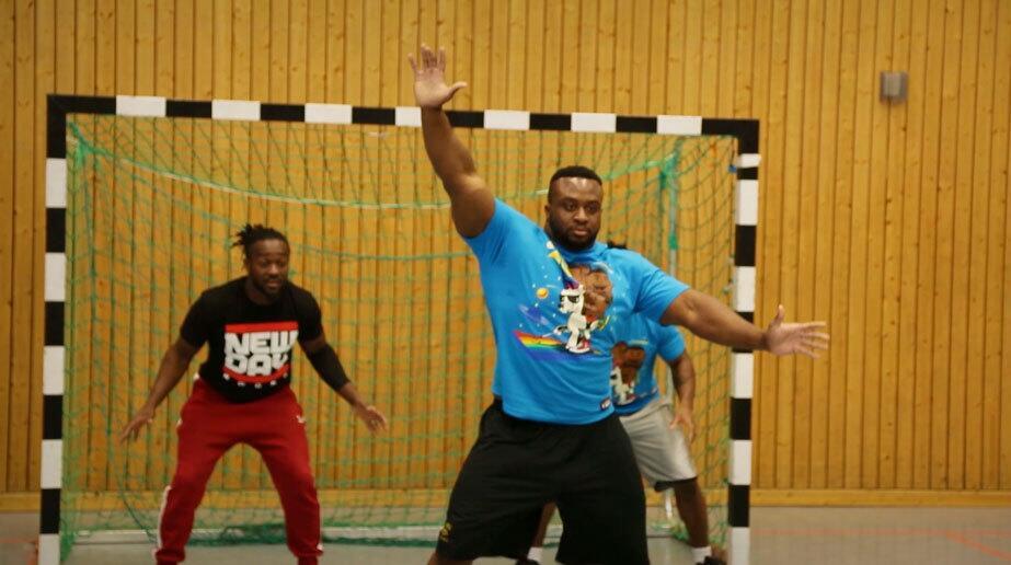 Bild zu Handball WWE