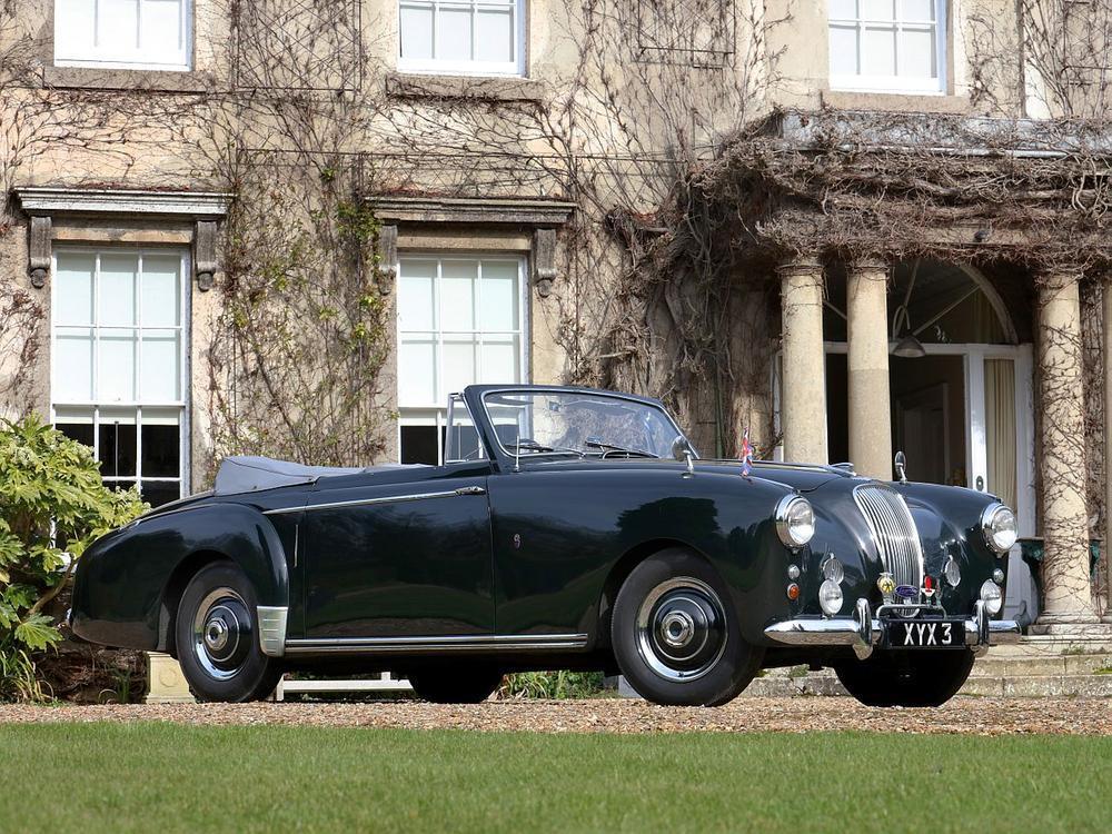 Bild zu Aston Martin Lagonda Drophead Coupé