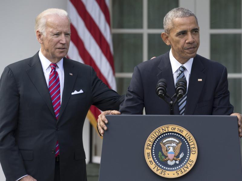 Bild zu Biden + Obama