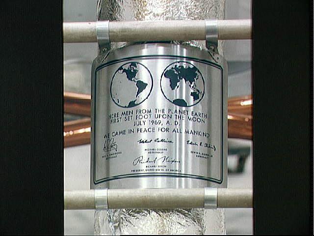 Bild zu Plakette der Apollo-11-Mission