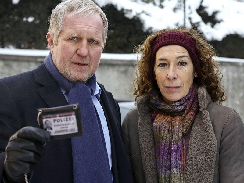 """Bild zu """"Tatort: Abgründe"""": Harald Krassnitzer und Adele Neuhauser im Einsatz"""