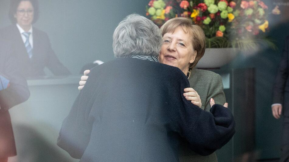 Merkel receives May