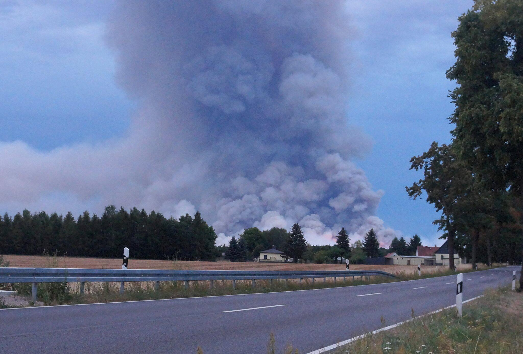 Bild zu Forest fire in South Brandenburg