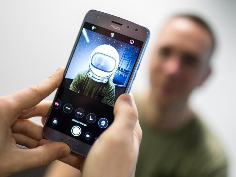 Bild zu Moto X4