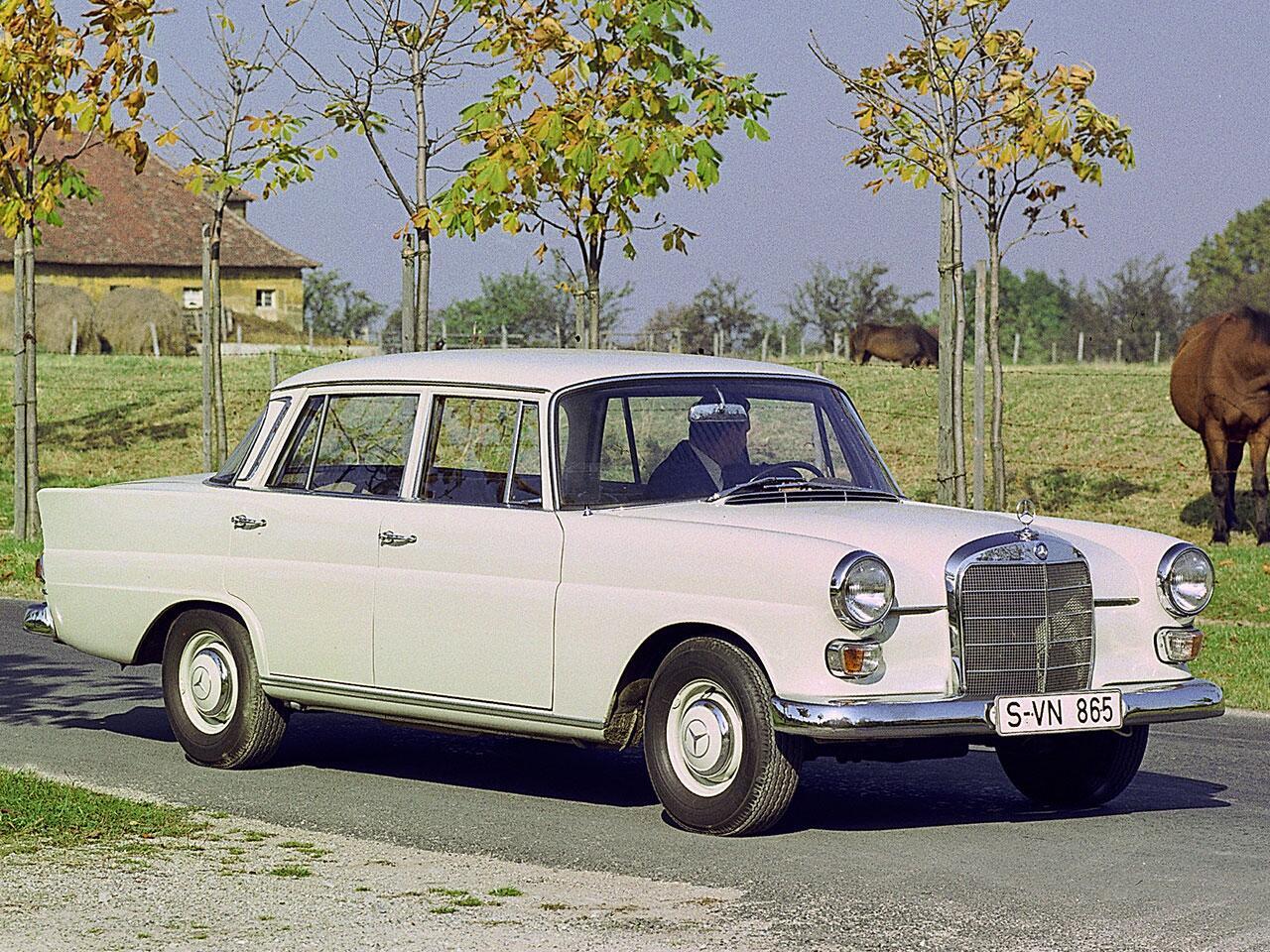 Bild zu Mercedes Heckflosse (W 110)