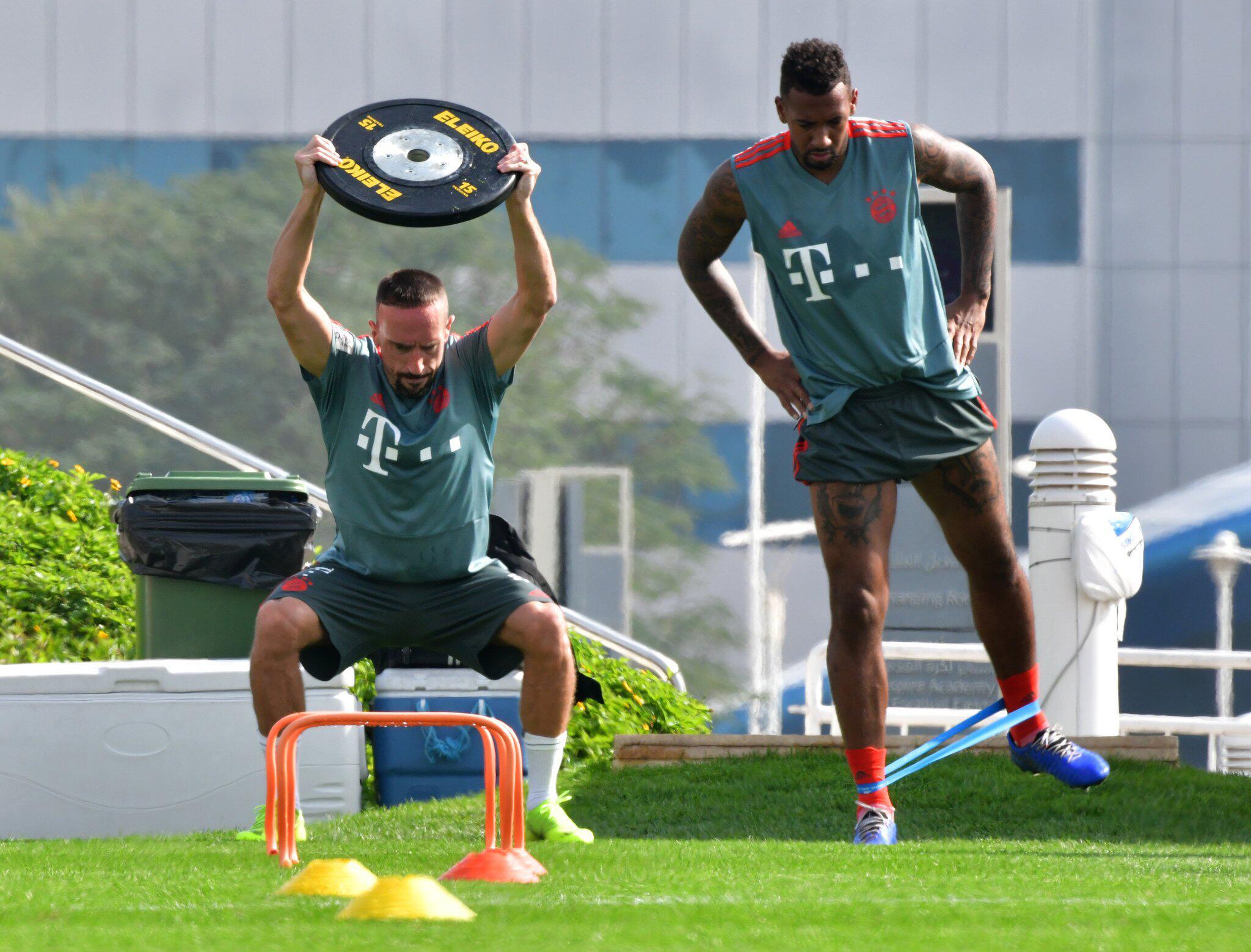 Bild zu Franck Ribéry, Jerome Boateng, FC Bayern München, Trainingslager, Doha, Katar