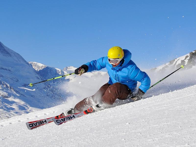 Bild zu Skifahrer in Wallis