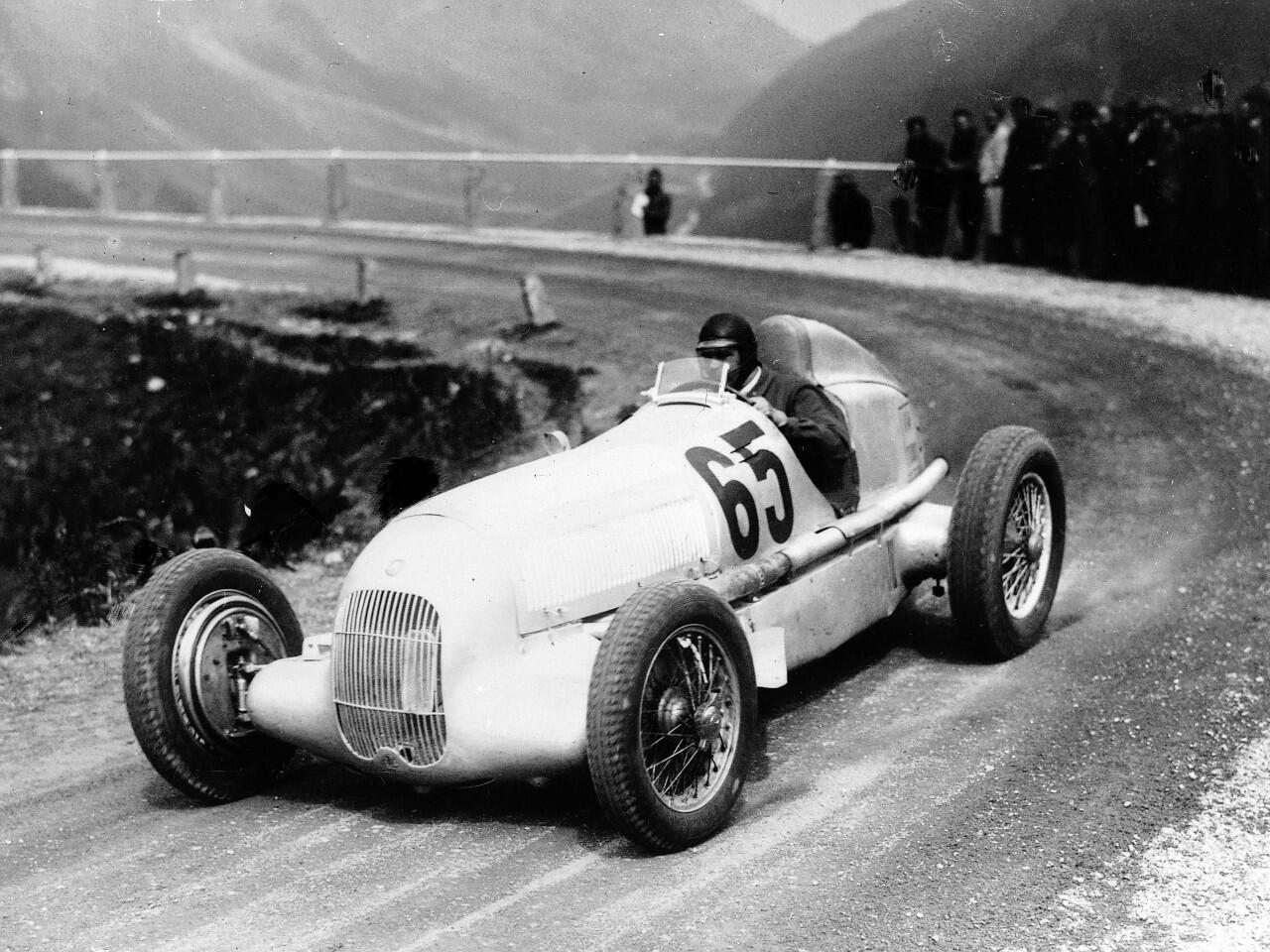Bild zu Rudolf Caracciola im Mercedes-Benz W 25