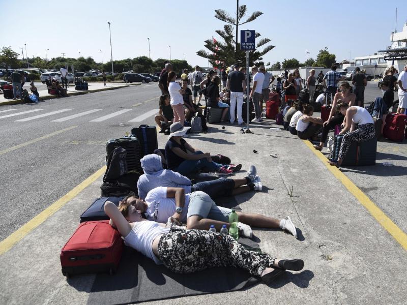Bild zu Vor dem Flughafen auf Kos